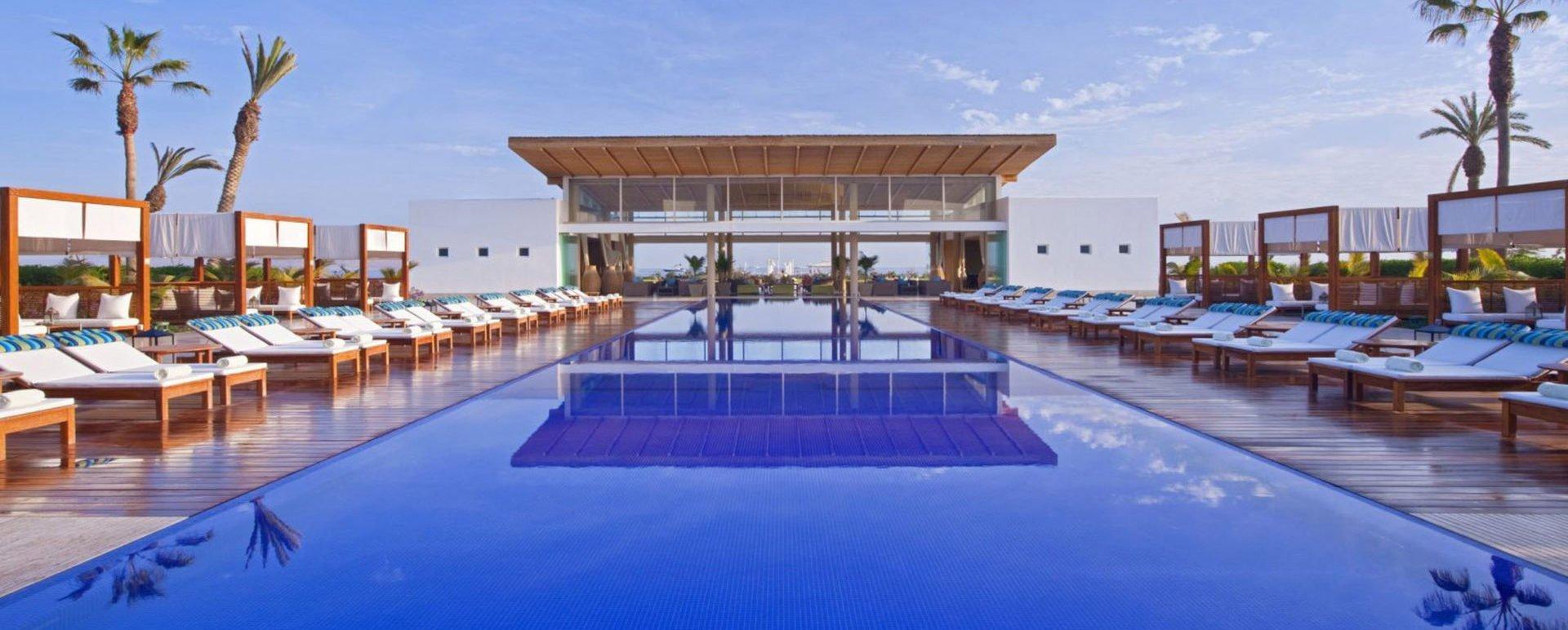 Libertador Paracas pool