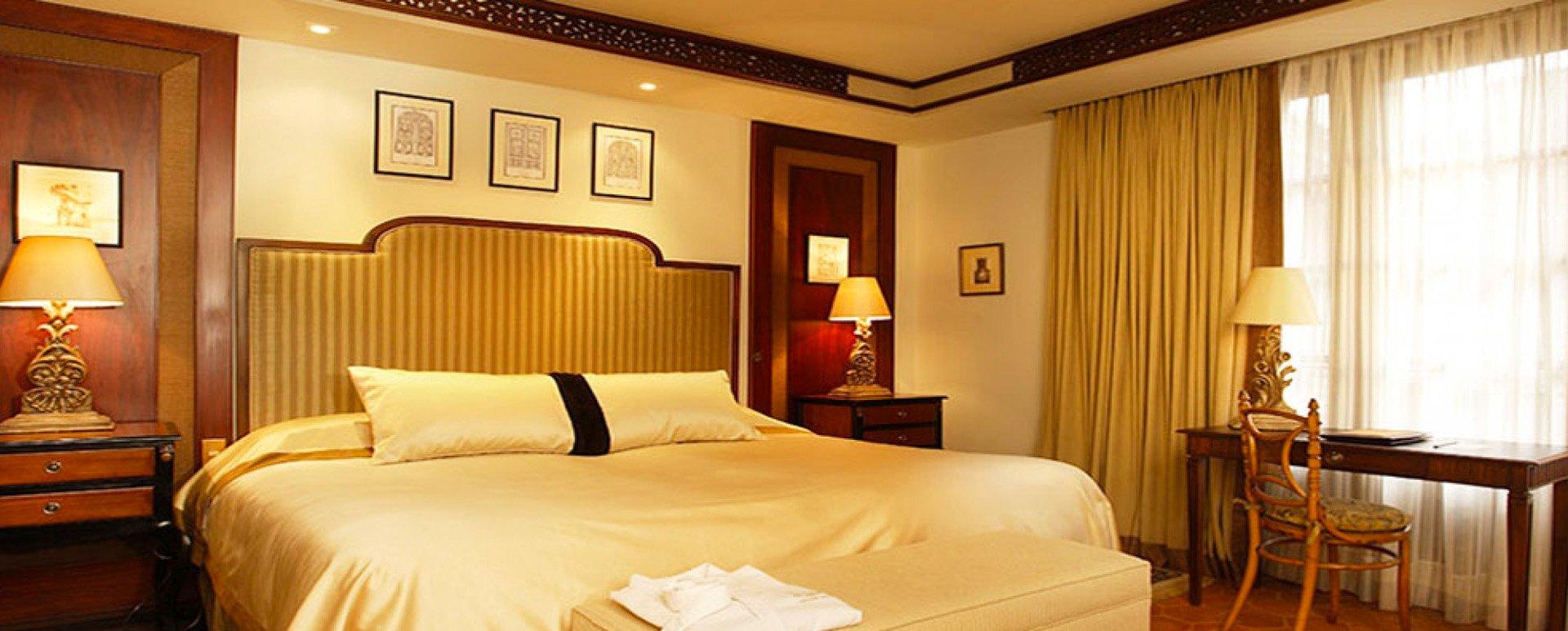 Mansion Alcazar room