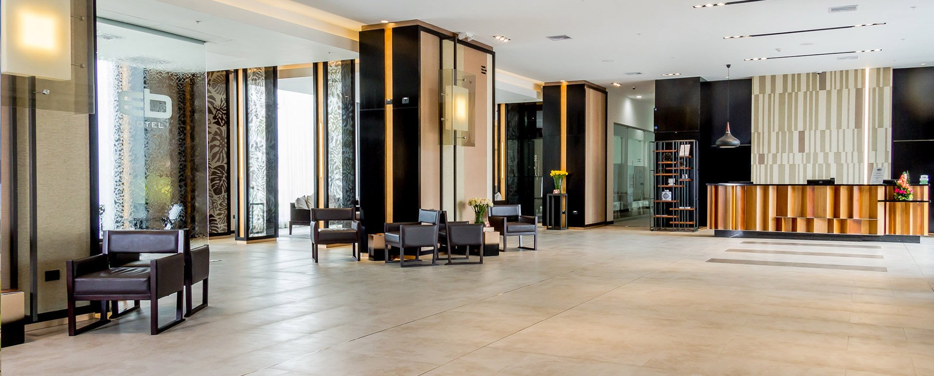 EB Airport Hotel lobby