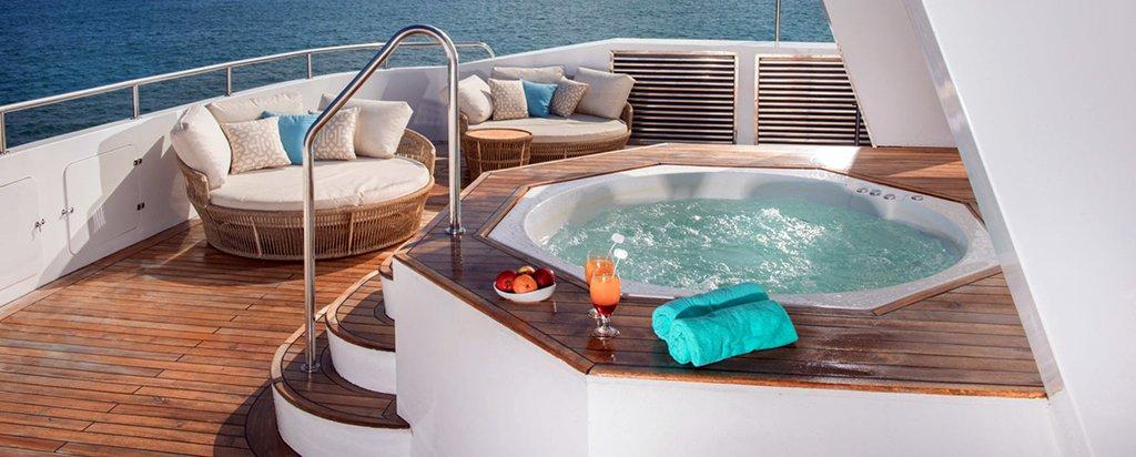 Galapagos Cruise Alya Catamaran Hot Tub
