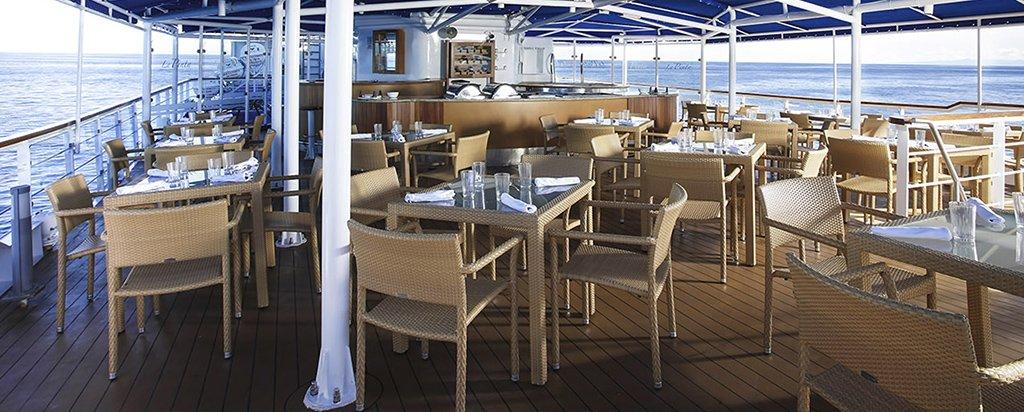 Galapagos La Pinta Yacht Al Fresco Dining Area