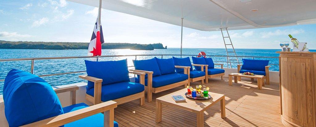 Galapagos Cruise Tip Top II Catamaran Bar Area