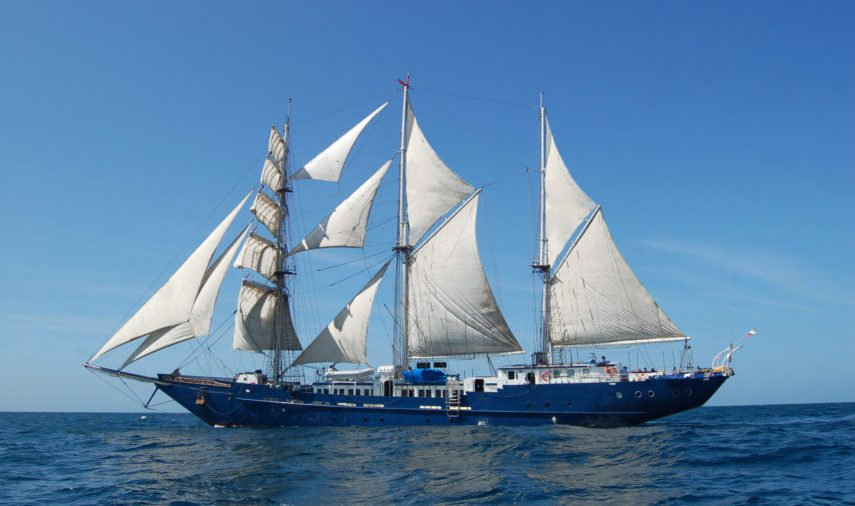 Mary Anne sail yatch side