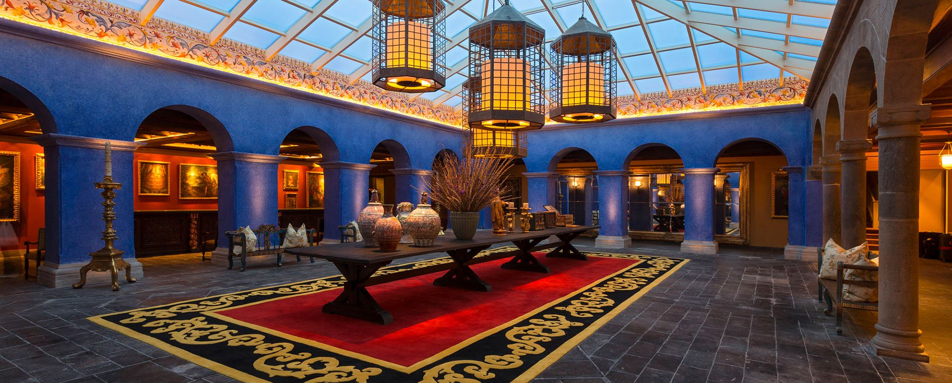 Palacio del Inka reception area